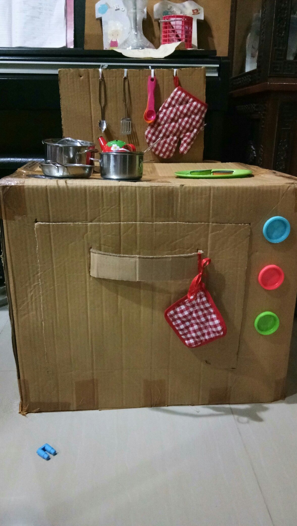 Kitchen play set from cardboard