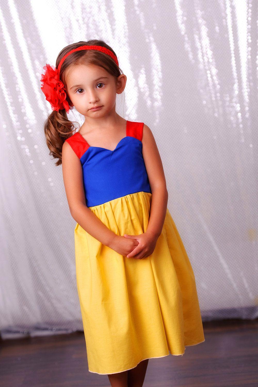 Snow White Dress Disney Princess Dress Girl Toddler Child Size 2t 5t 35 00 Via Etsy Disney Dresses Disney Inspired Outfits Snow White Dresses [ 1500 x 1000 Pixel ]