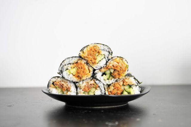 DIY Spicy Salmon Sushirrito (Sushi Burrito) dinner food lunch recipes