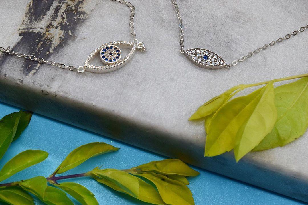 ¡El ojo turco más elegante! Protege tus buenas vibras sin dejar de lucir perfecta 🧿⭐️ • • Pulsera de plata italiana con un terminado en oro blanco⭐️ • • #guayaquil #ecuador #joyas #jewelry #anillos #anillo #collares #cadenas #dijes #italiana #natural #amor #regalo #novia #detalles #samborondon