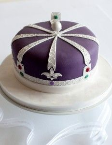 Enjoyable Pin By Istanbul On Crown In 2019 Jewel Cake Royal Party Crown Cake Funny Birthday Cards Online Unhofree Goldxyz