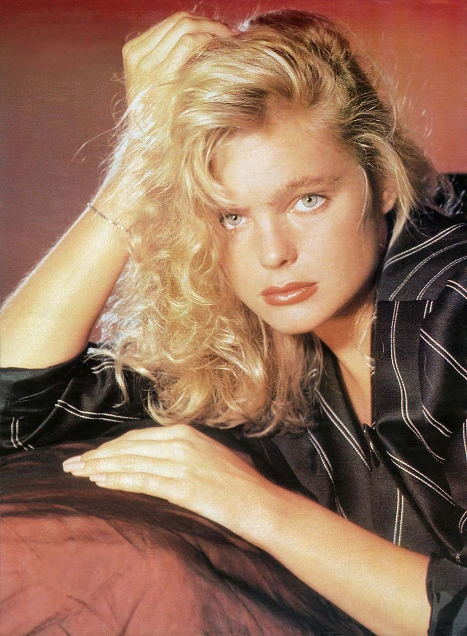 Erika Eleniak born September 29, 1969 (age 49) Erika Eleniak born September 29, 1969 (age 49) new images
