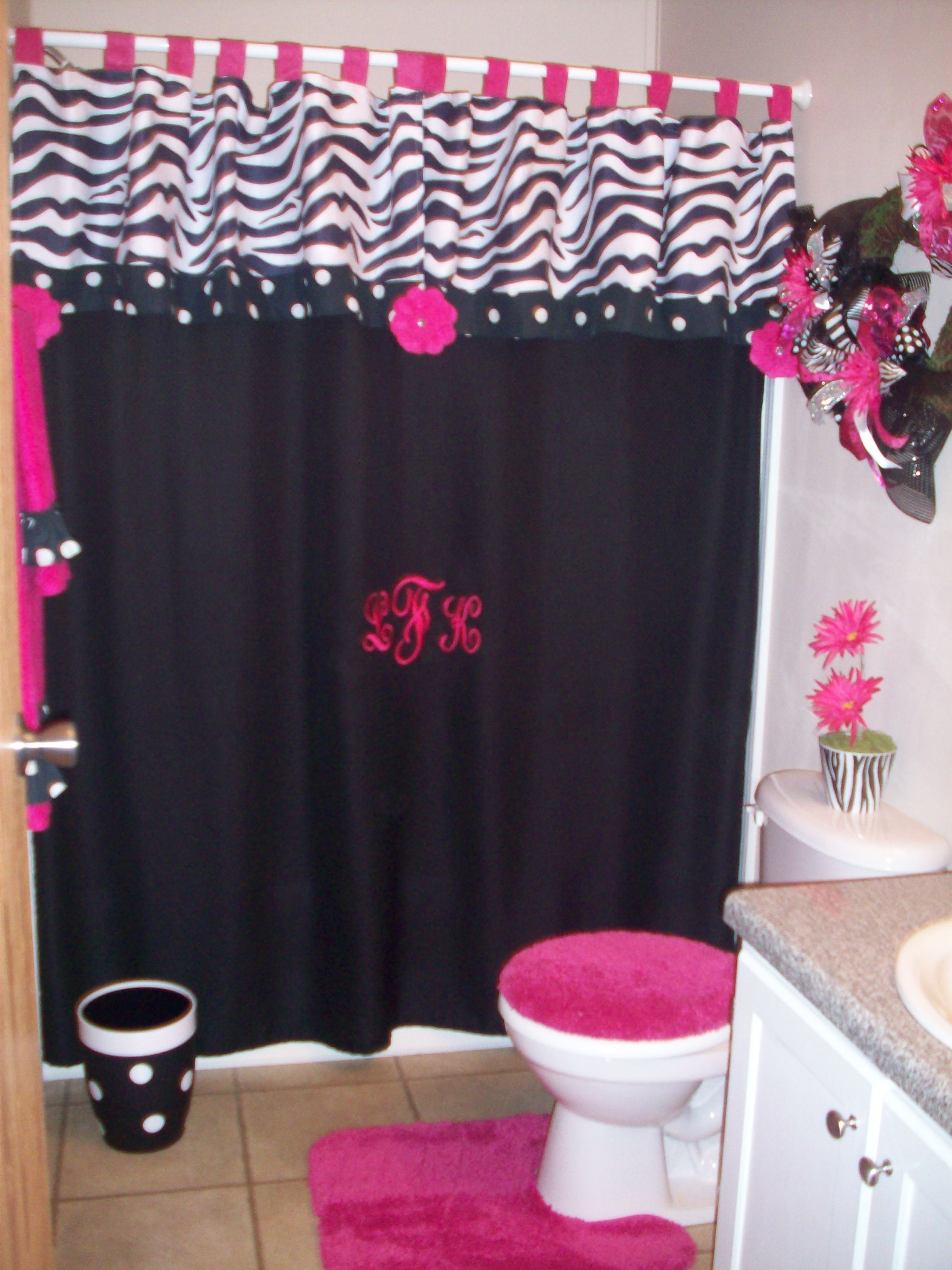 A Little Too Much For Me But Would Tie In Perfectly For The Girlies Minnie Mouse Zebra Bathroom Theme Zebra Bathroom Zebra Print Bathroom Girls Bathroom Design Pink zebra bathroom decor