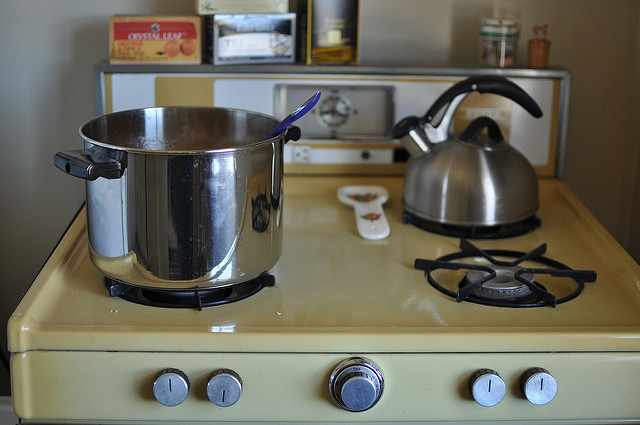 Canning 101 Can You Safely Can On A Glass Top Stove In 2020