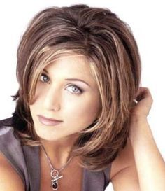 Medium Hairstyles For Women In Their 40s With Full Faces Hairstyles For Round Faces Wom Jennifer Aniston Hair Medium Hair Styles For Women Medium Hair Styles