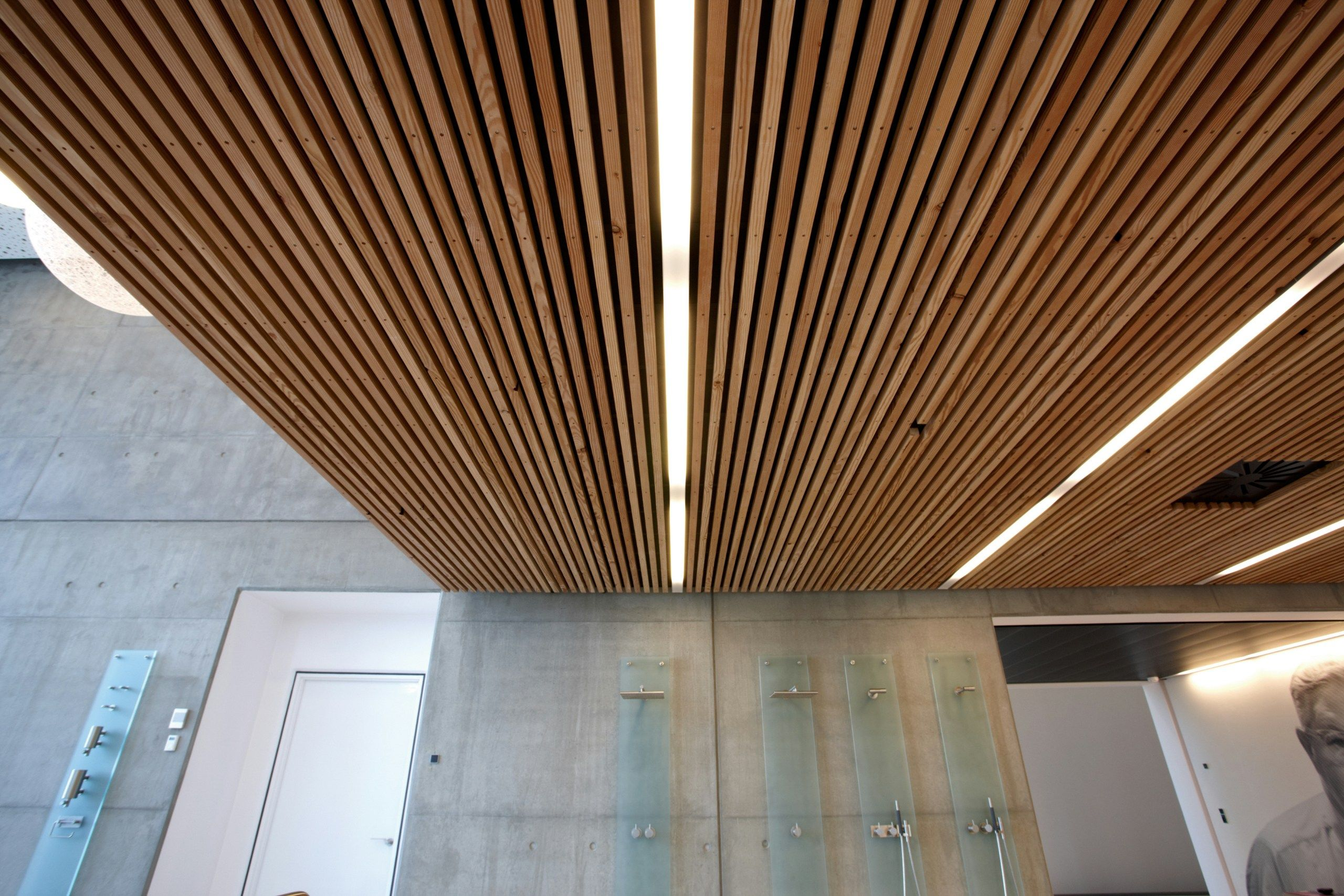 Faux plafond effet bois dinesen ceiling by dinesen ceiling tiles with wood