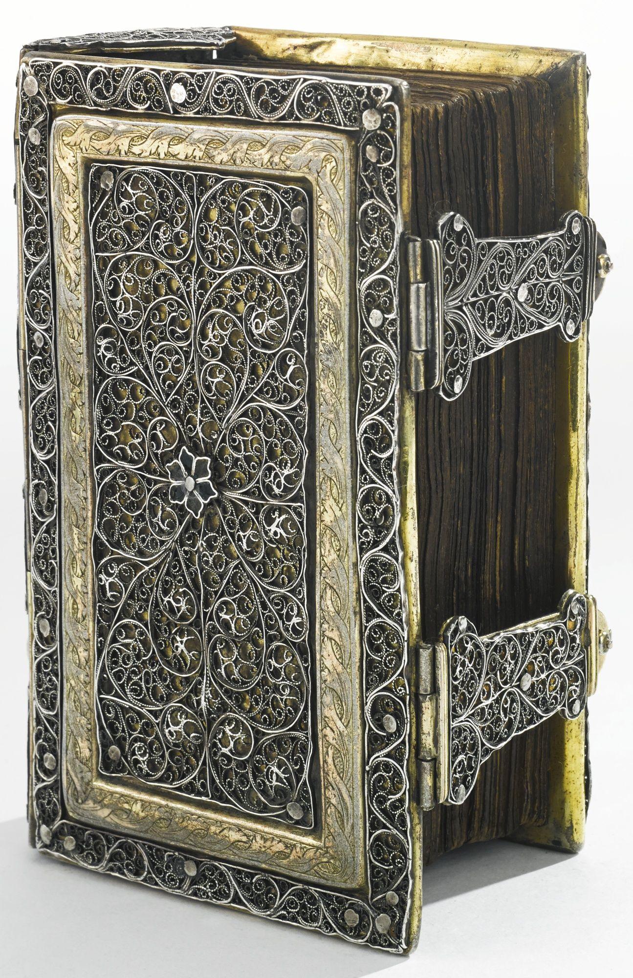 Filigree bookbinding - 18th century (German) | I love ...