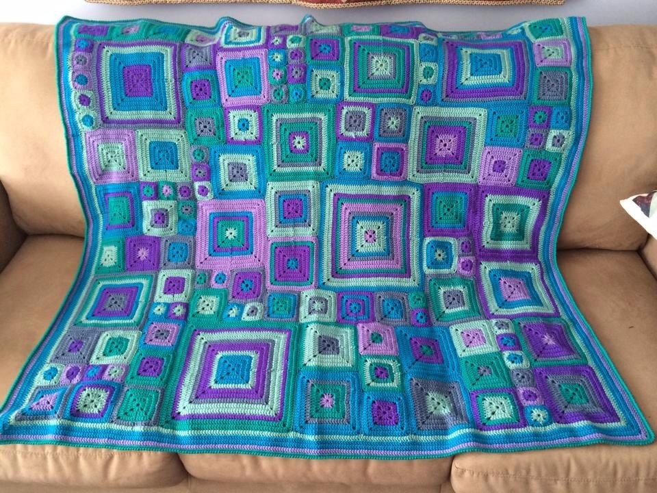 Babette blanket made by Joanne Ferguson from the Creative Crochet Crew group page. The pattern designer is Kathy Merrick & is available on Ravelry