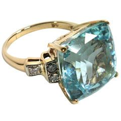 1STDIBS.COM Jewelry & Watches - Retro square/Asscher cut aquamarine ring - Elle W Collection