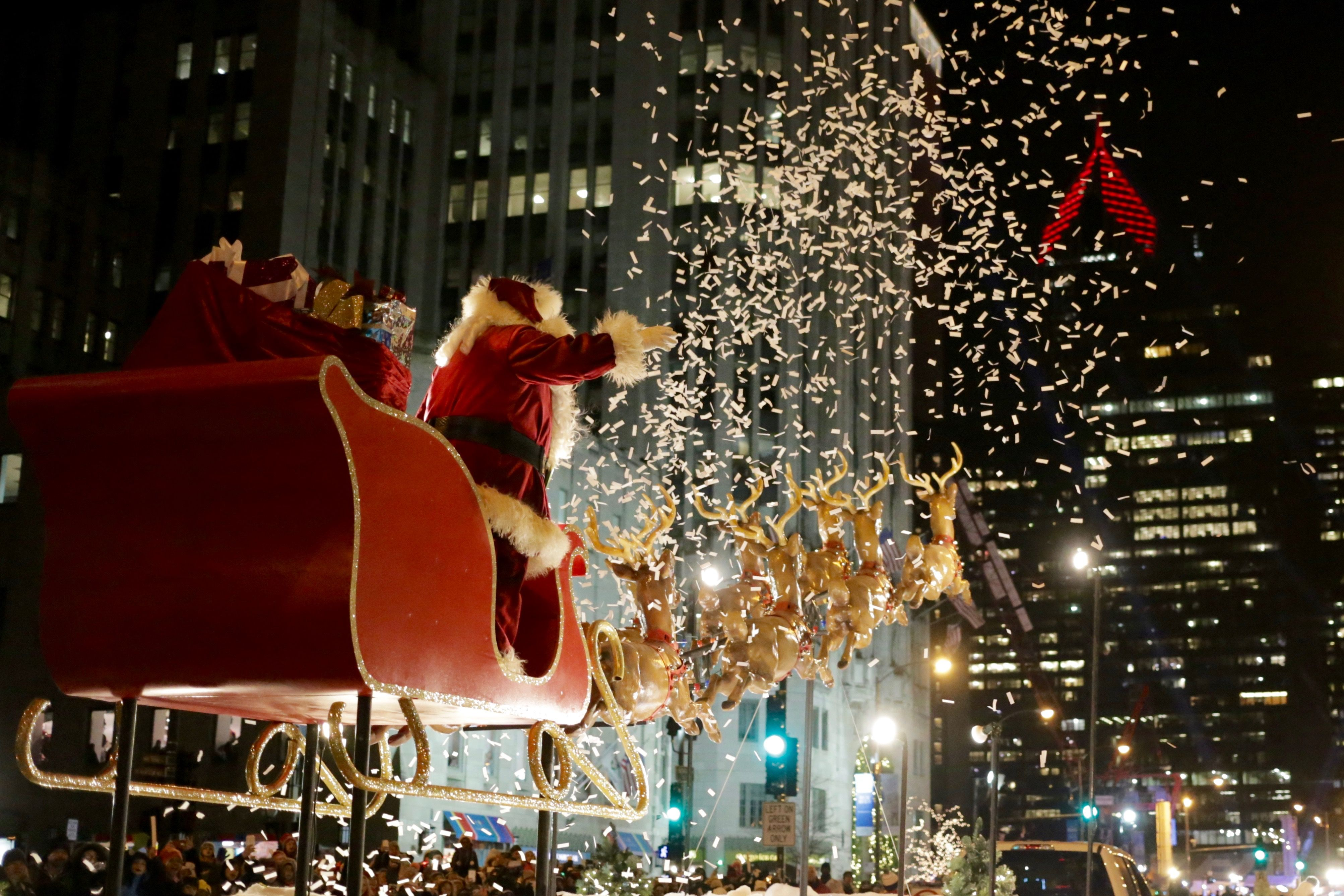 The Magnificent Mile Lights Festival Street Closures Parade Route Safety Chicago Christmas Magnificent Mile Chicago Magnificent Mile