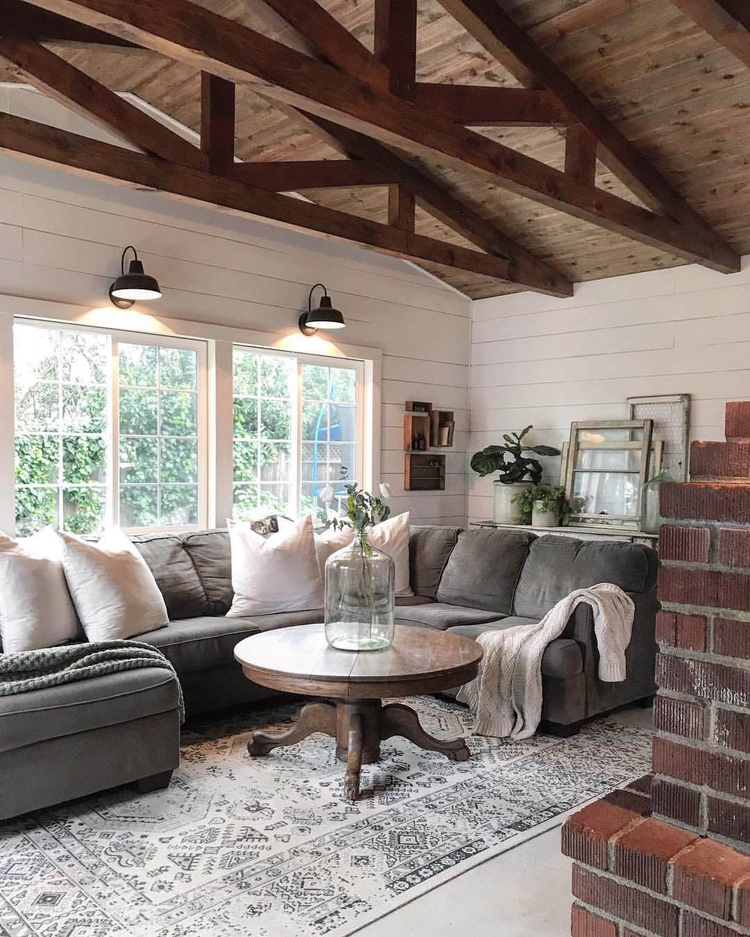 Inspiration For Our Family Room Off The Kitchen So Cozy And Bright Modern Farmhouse Living Room Decor Modern Farmhouse Living Room Farm House Living Room