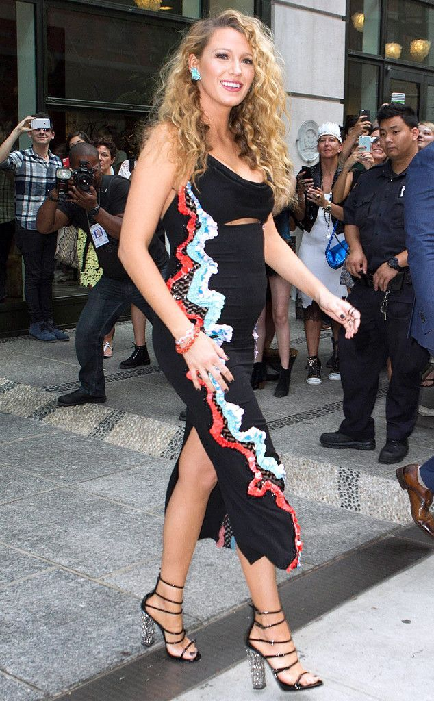 Blake Lively from The Big Picture: Today's Hot Photos