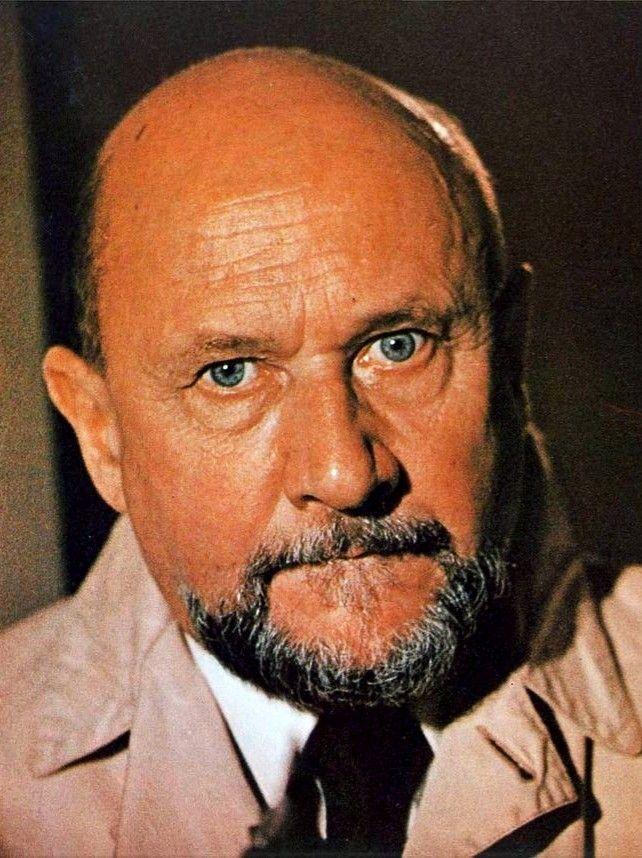 The RELENTLESS Dr. Loomis!! ️👍🎃🔪 Halloween film, Donald