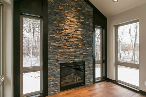 Floor To Ceiling Dry Stacked Stone Ledger Stone