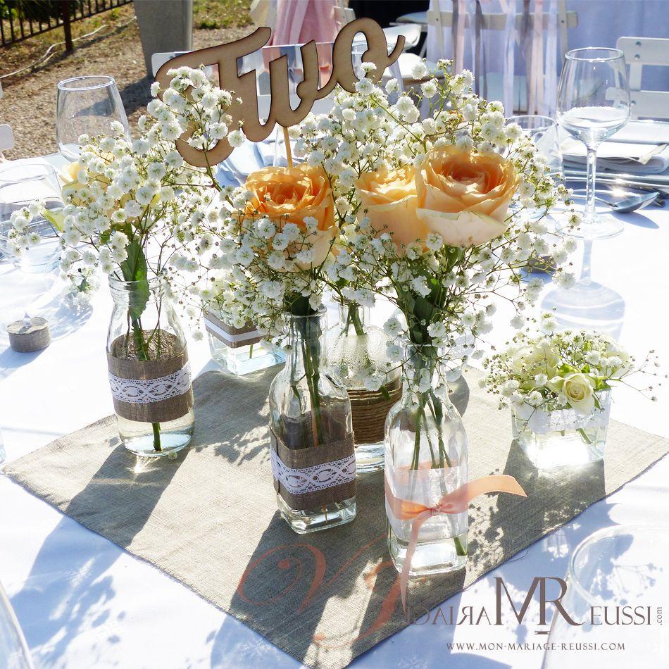 Composition pour centre de table sur carr de lin petite bouteille huile - Nom de fleur pour table mariage ...