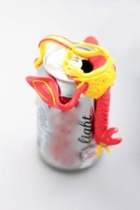 decorative clip for drinking a can