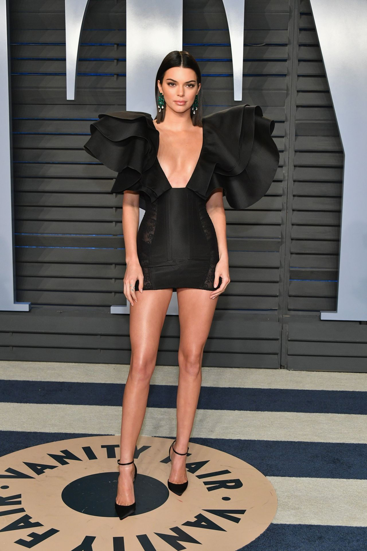 5adbbbfedc88 Pin by Sandy Neth on Red Carpet in 2019 | Kendall jenner, Kendall ...