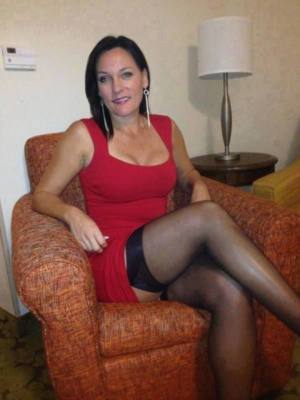 older-woman-fucked-in-short-skirt-bacheloreete-porn-videos
