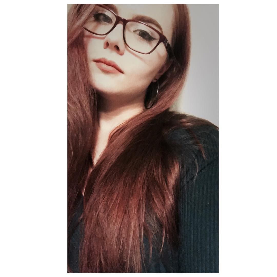 I Want To Raise Your Spirits I Want To See You Smile Know That Means I Ll Have To Leave Selfie Fall Autumn Ifonlyforami Long Hair Styles Makeup Glasses