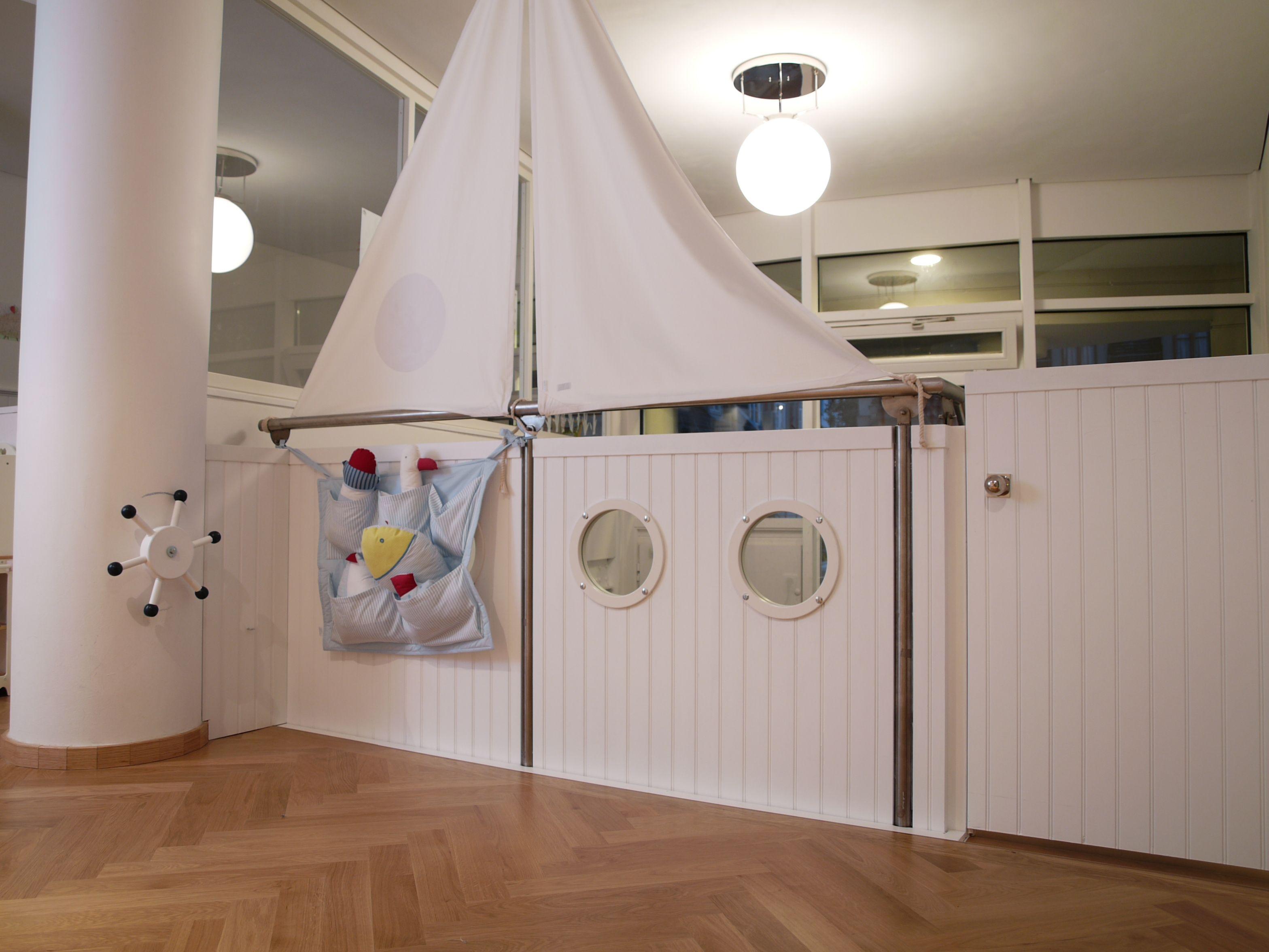 wandverkleidung in der marienk fer kindervilla m nchen eine kita zum wohlf hlen. Black Bedroom Furniture Sets. Home Design Ideas