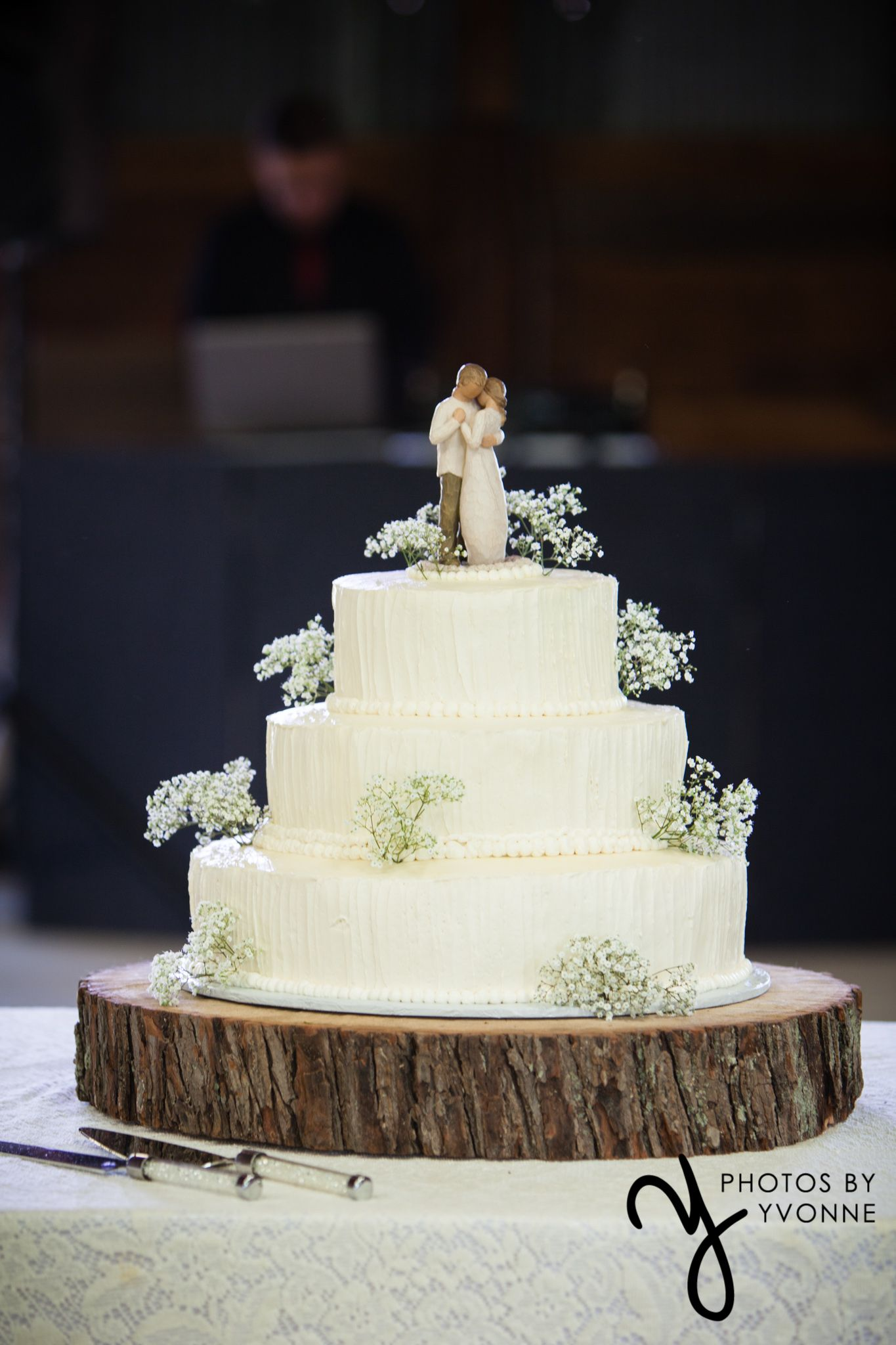 babys breath wedding cake 3 tier wedding cake with willow tree figures baby s 11002