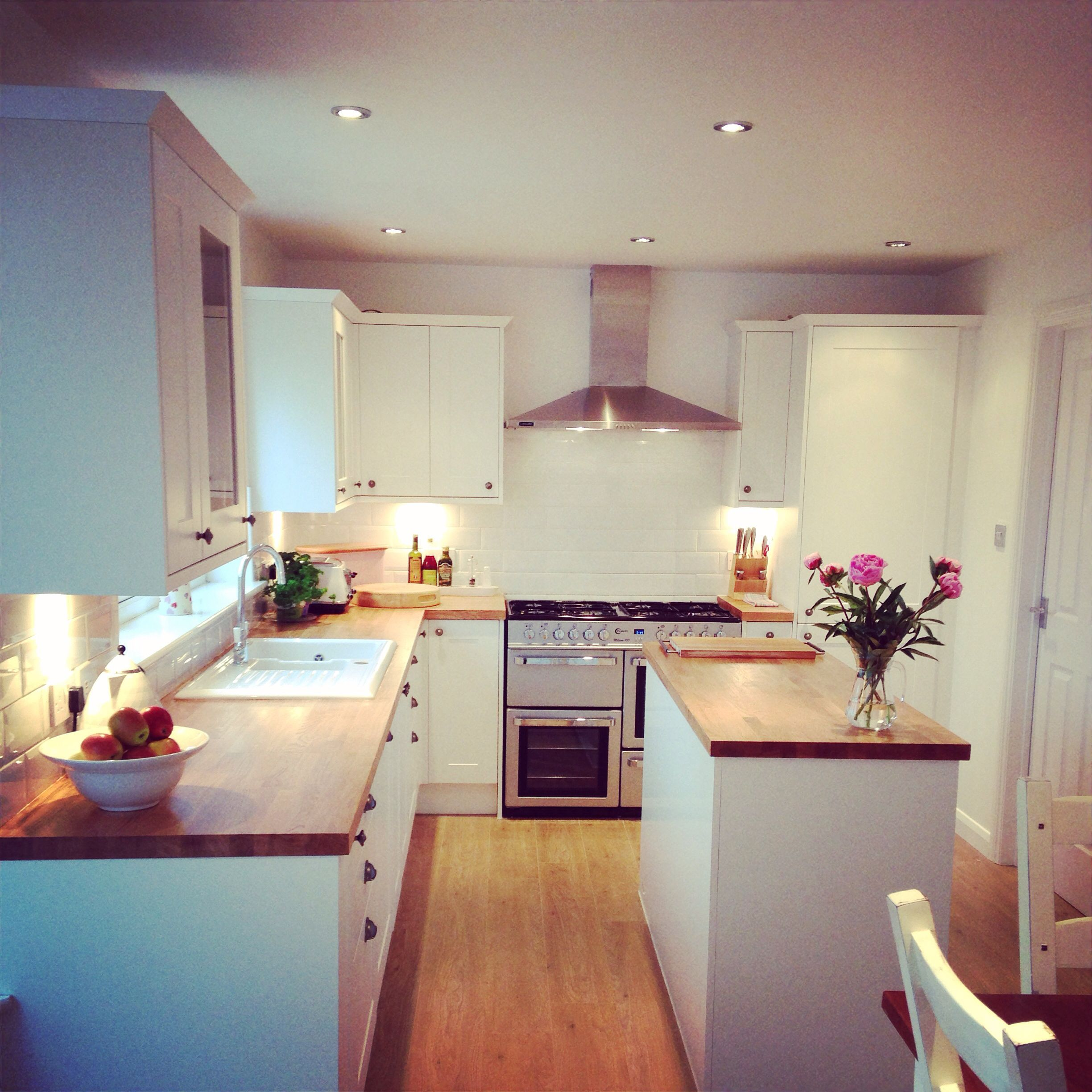 New Kitchen That Work White Wooden Shaker Units Oak Work Tops Fixed Island White