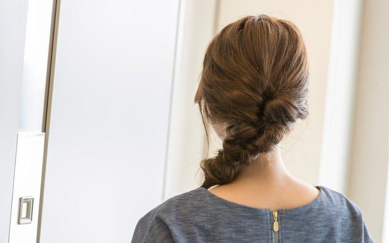 時間はかけず簡単に まとめ髪 ロングヘア特集 仕事に集中できる