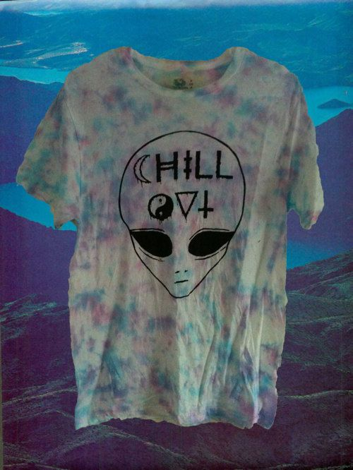 CUSTOM DYED. chill out alien shirt. $20.00, via Etsy.