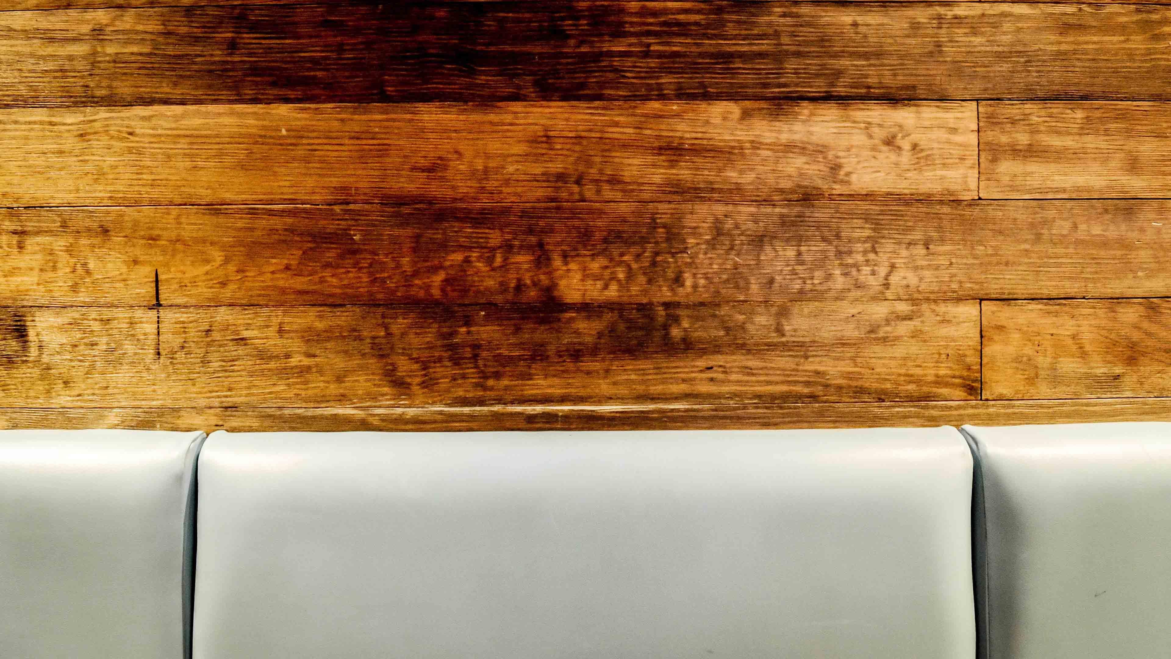 Wallpaper That Looks Like Barn Wood Barn Wood Wood Wallpaper Wood