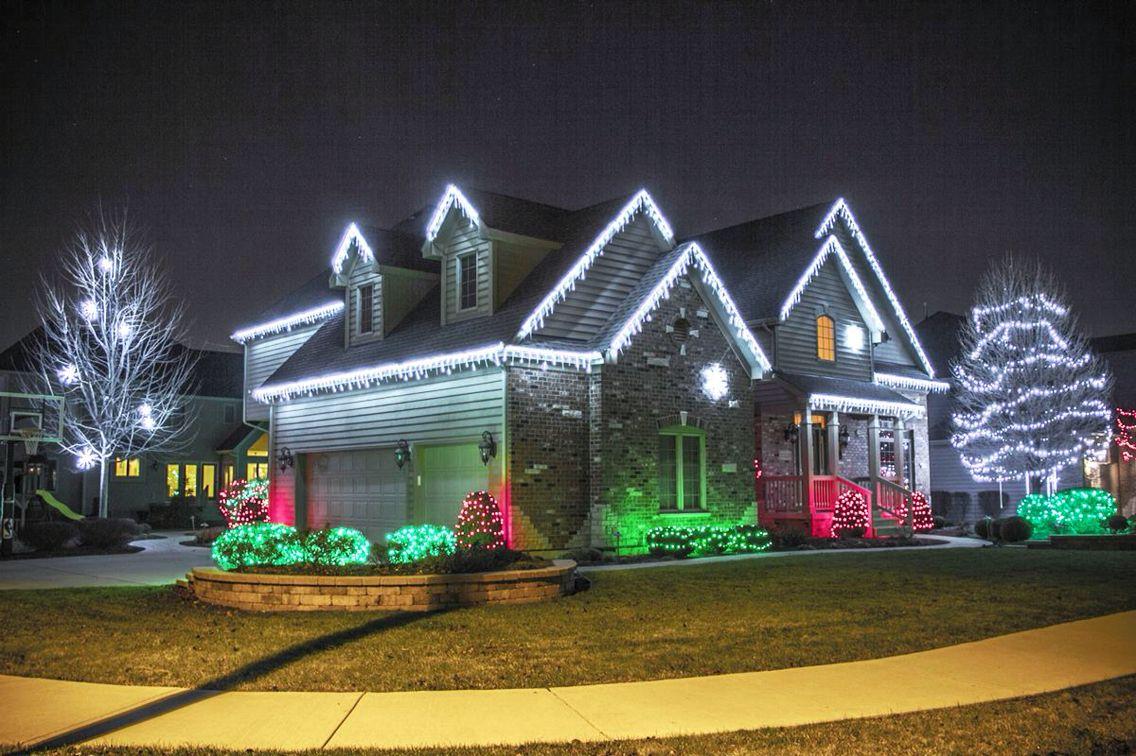 Cool White Christmas lights outside, Christmas house