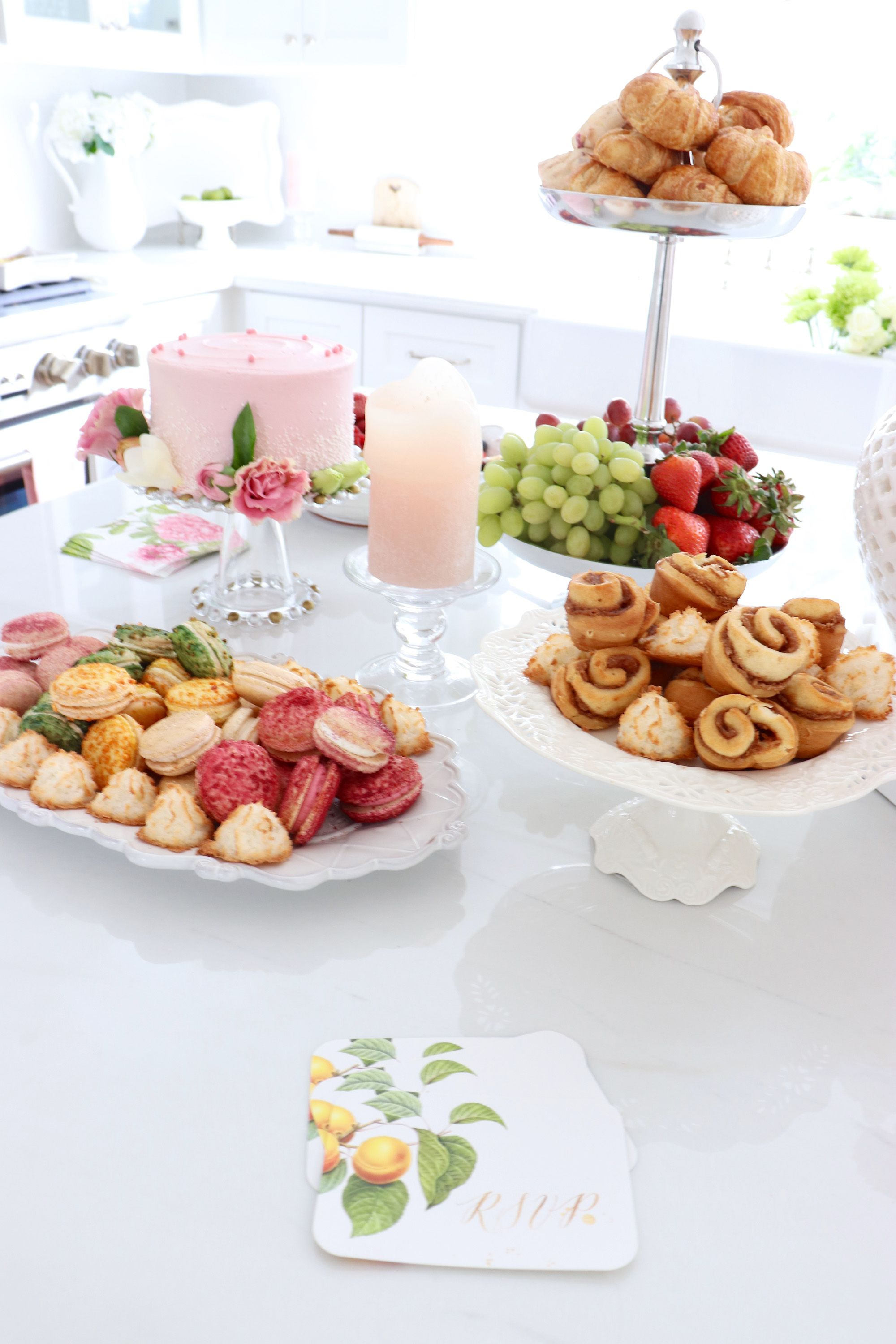 How To Create A Beautiful Spring Brunch Tablescape The Do S Don Ts Spring Brunch Brunch Tablescape Brunch Decor