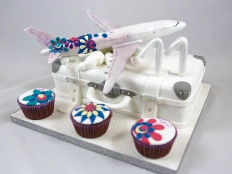 Flugzeug Airplane Cake Torte Koffer Motivtorte Geburtstag Fondant