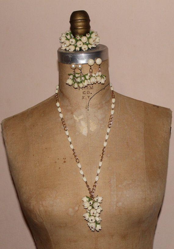 4 piece vinatge 60s mod flower set earrings by VintageSoulGeek, $30.00