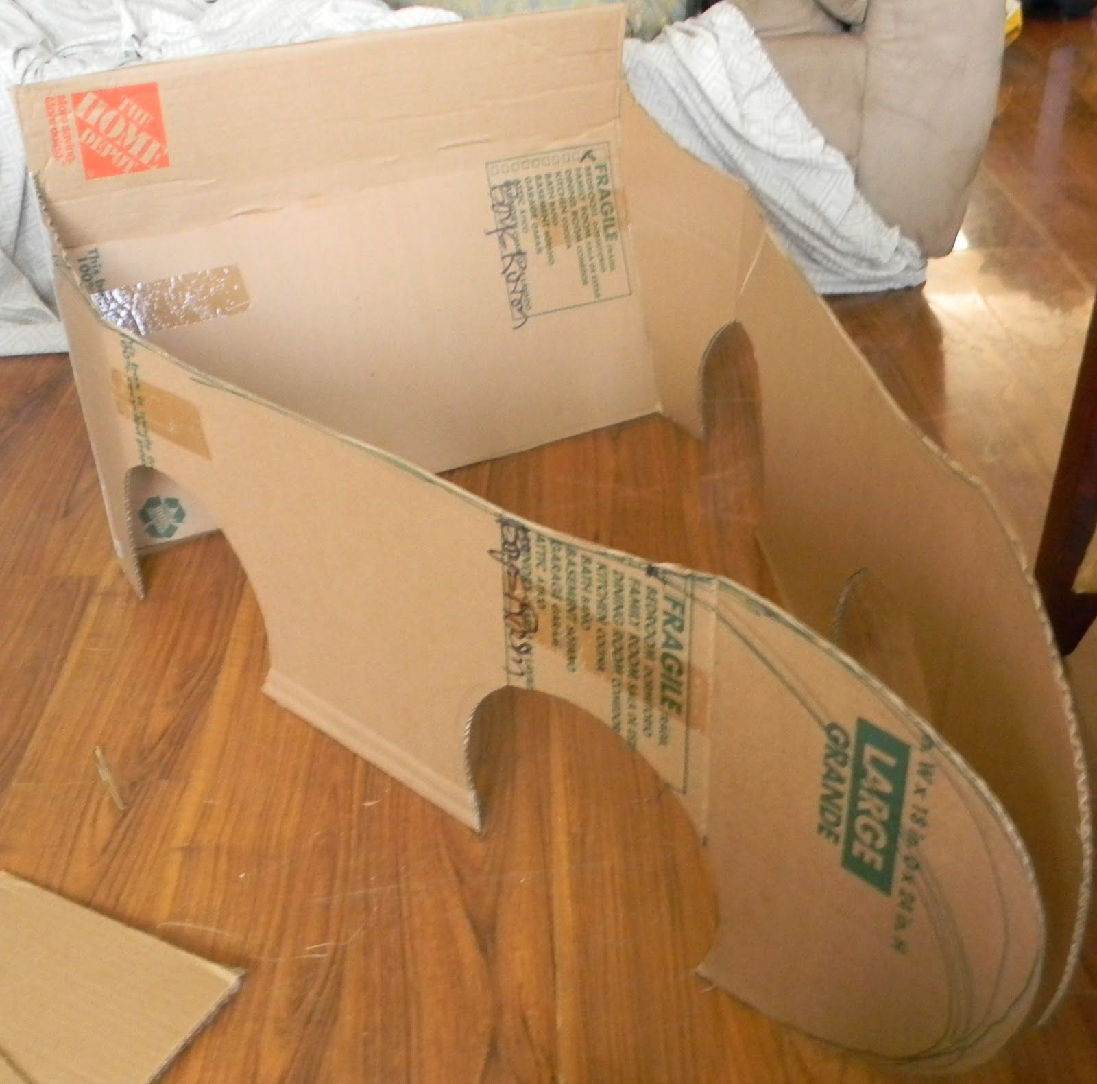 how to make a cardboard car to wear