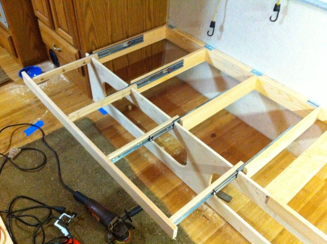 Pull Out Brackets To Make Bench A Bed J Lounge Remodel