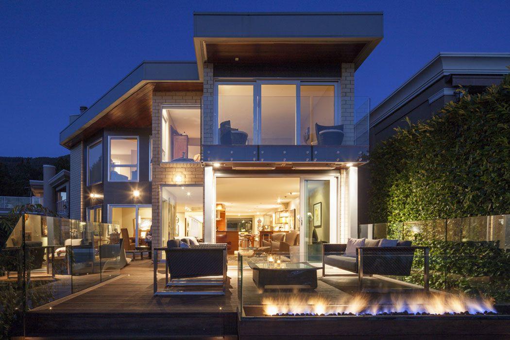 Architecture moderne et éclectique de cette ancienne maison rénovée reliant l'exotisme et le ...