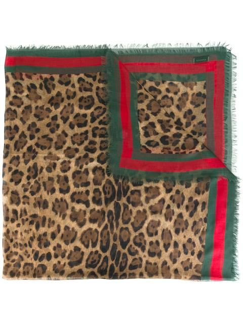 GUCCI leopard print scarf with Web. #gucci #web豹纹围巾