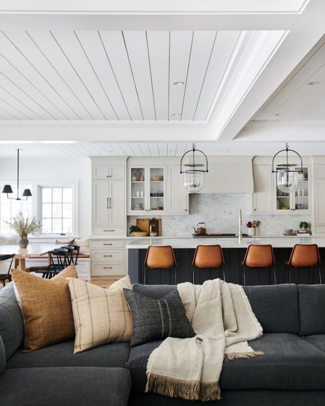 """Farmhouse Goals on Instagram: """"All the hearts for this gorgeous open concept living room area 😍 • Tap the link in bio to shop decor  furniture 🌻 • Share your style! →…"""""""
