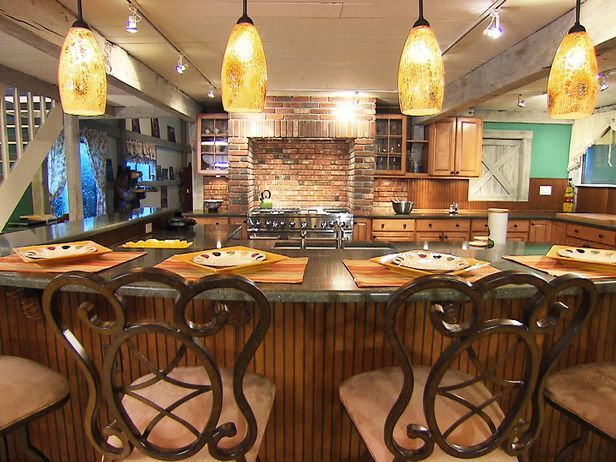 Ideas for Eat-In Kitchens Featured in Kitchen Impossible episode