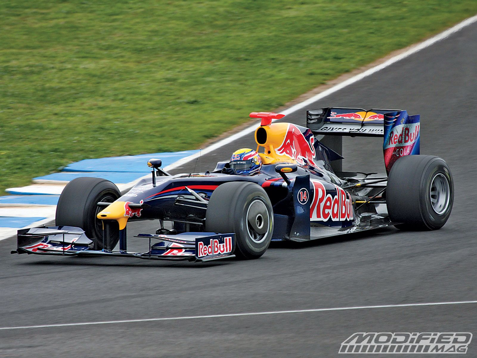 A F1 Car The Doppler Effect In Action Racing Car And Driver Car