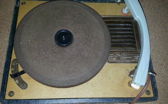 Vintage Symphonic Record Player by VintageRelics802 on Etsy, $45.00