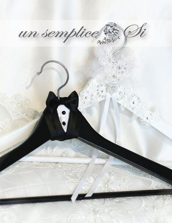 Bride and Groom Wedding Hanger His and Hers by UnSempliceSi
