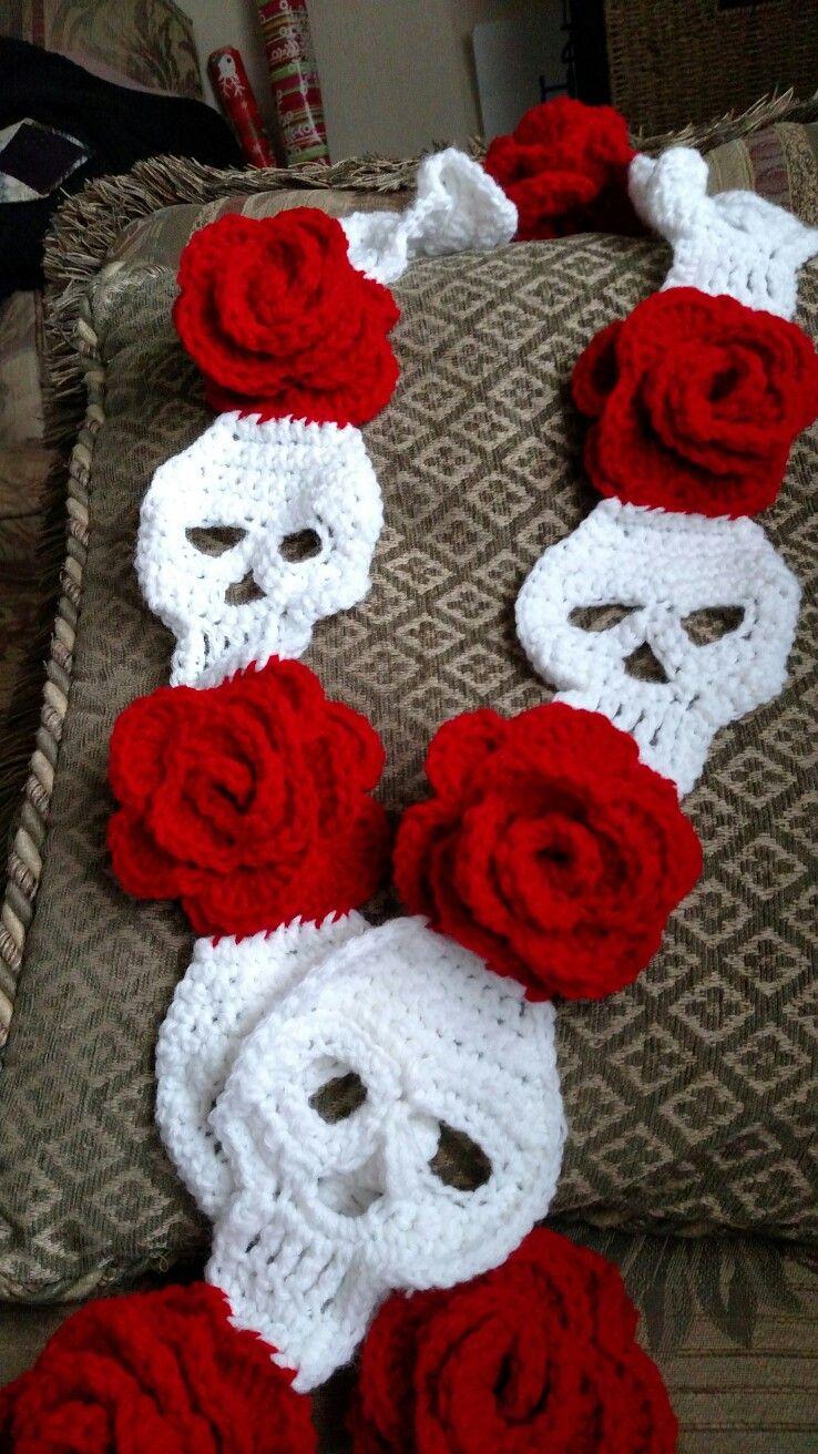Skull and roses scarves | A a craft fair | Pinterest | Halloween ...