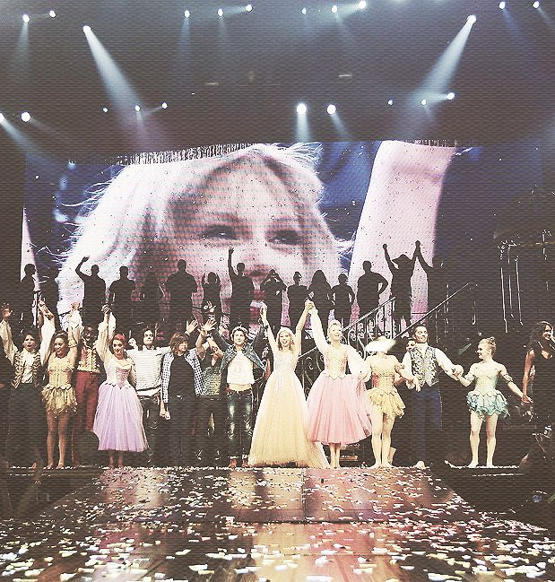 fadesorbleeds: The last show, ever of the Speak Now World Tour.