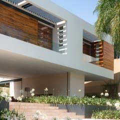 Casa Ped Balcones Y Terrazas Modernos De Constructora Arqoce