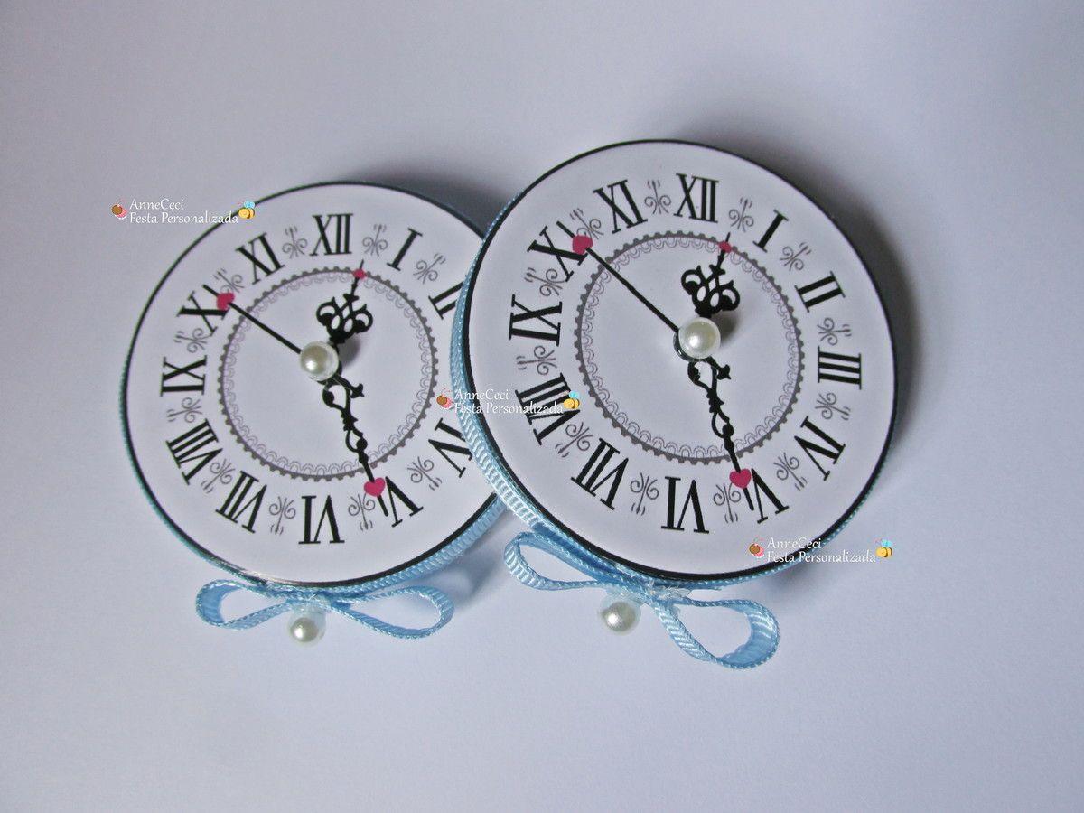 a8a825393cd Latinha Relógio Alice País d maravilhas