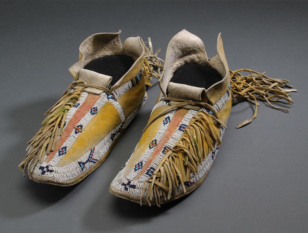Southern Cheyenne Moccasins #9406