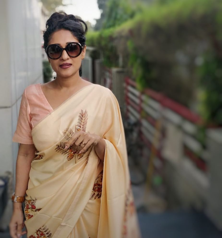 The COO of RED FM Shows How To Nail Formal Saree Style!