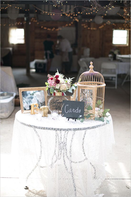Wedding welcome table weddingchicks wedding ideas for Small table decorations for weddings