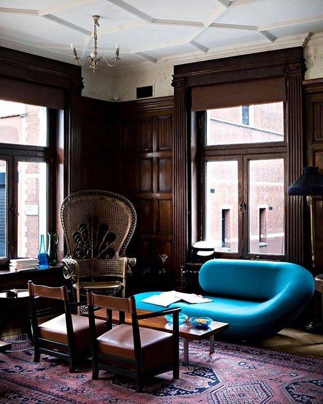 Clube Kettner's, em Londres, Inglaterra. Projeto por Studioilse. #arquitetura #arte #art #artlover #design #architecturelover #instagood #instacool #instadesign #instadaily #projetocompartilhar #shareproject #davidguerra #arquiteturadavidguerra #arquiteturaedesign #instabestu #decor #architect #criative #cor #harmonia #colours #harmony #kettners #londres #inglaterra  #studioilse